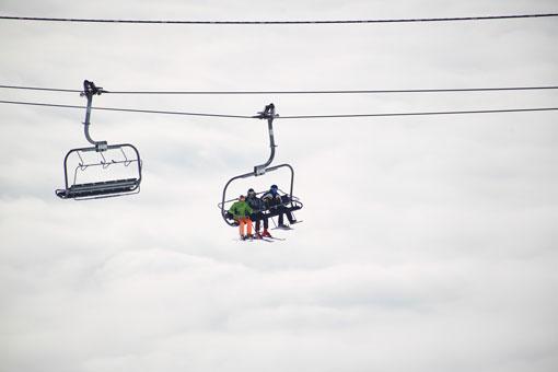 best-skiing-and-yoga-retreat.jpg