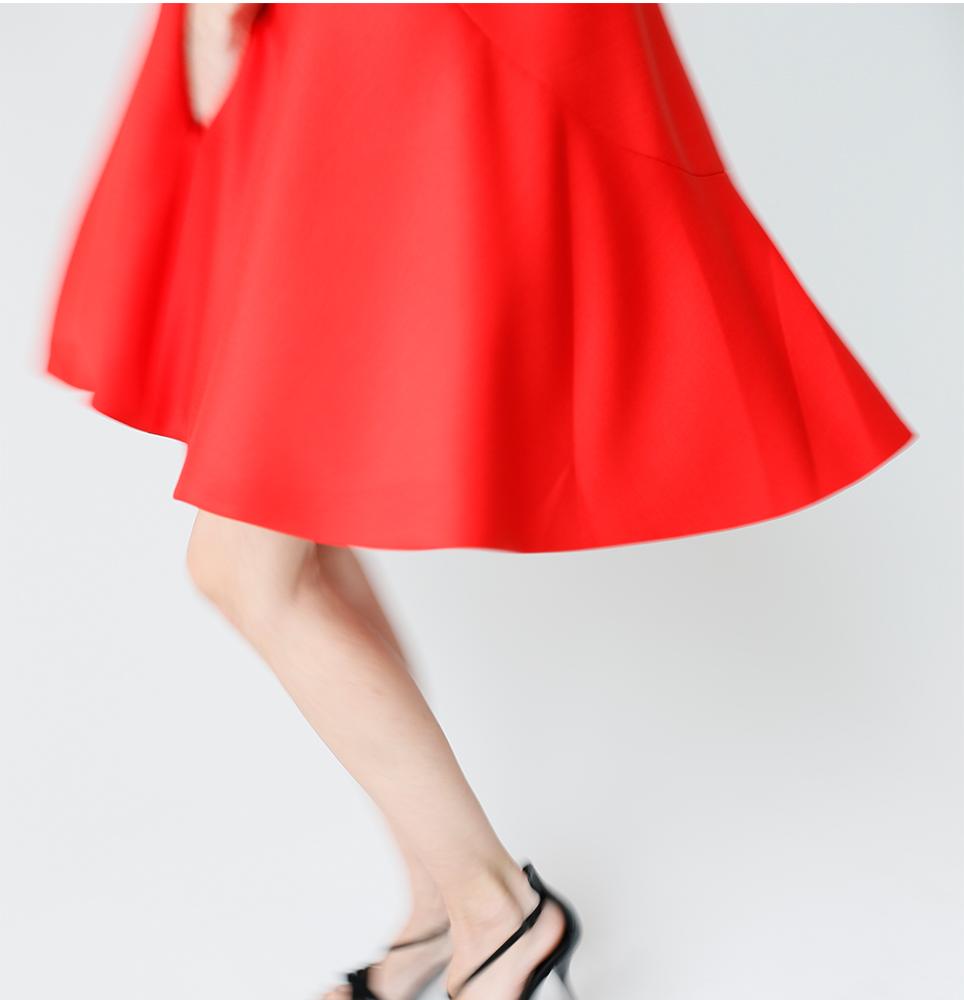 01Y0035_1__Red Dress_Mov#9__1k_WEB.jpg