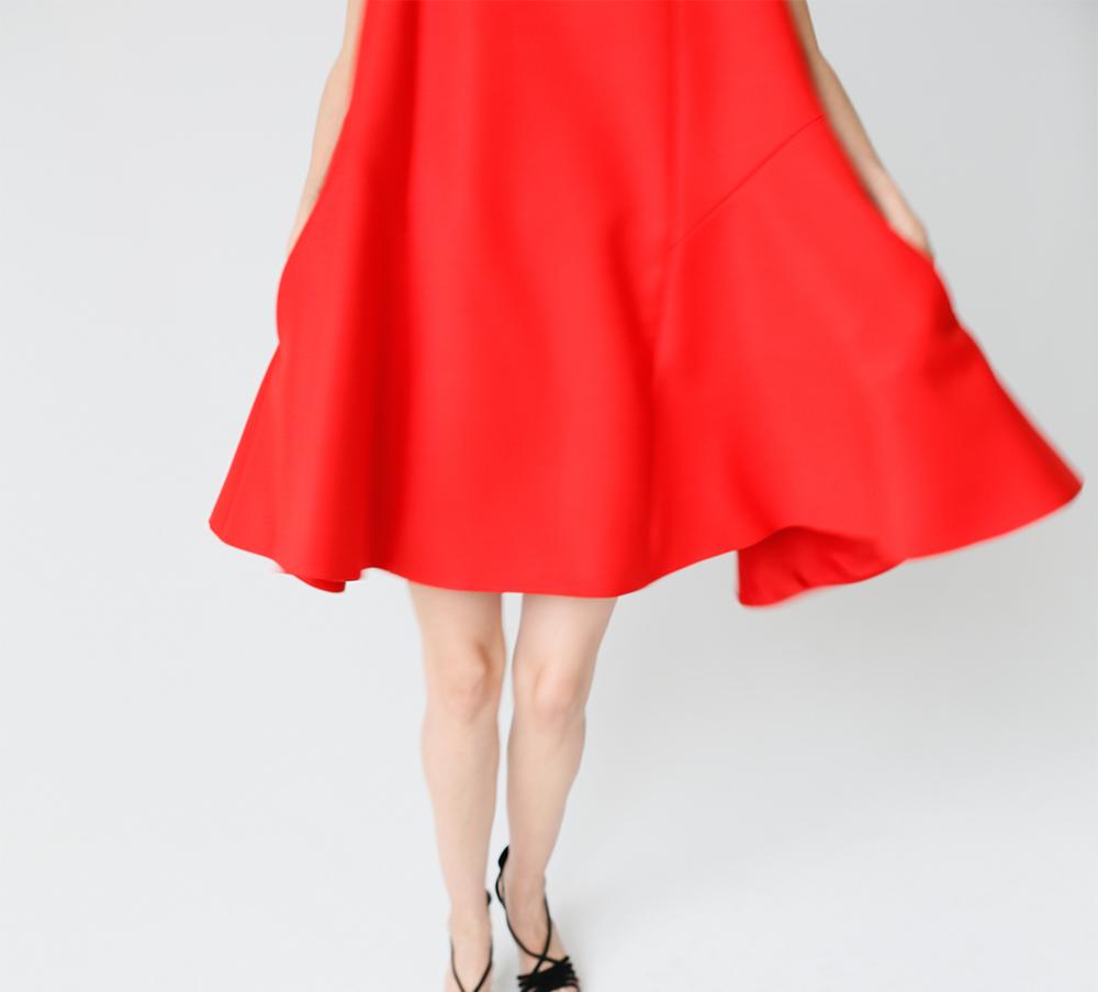 01Y0092_1__Red Dress_Mov#13__1k_WEB.jpg