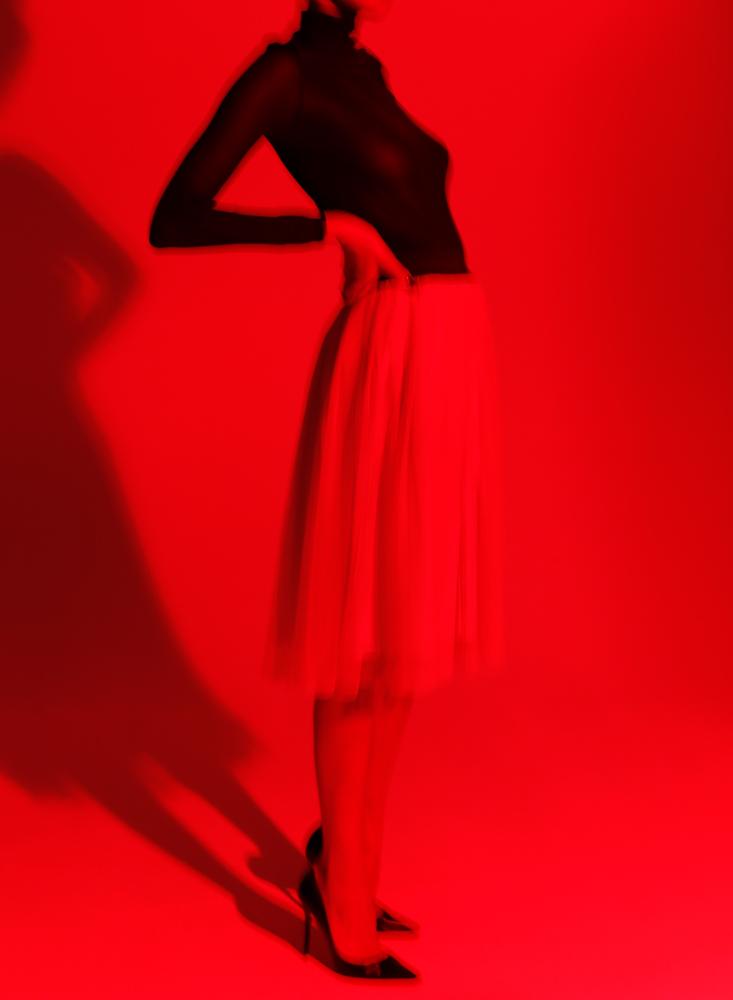 02___01Y0028_1__Black On Nude_Mov#3__1k_WEB.jpg