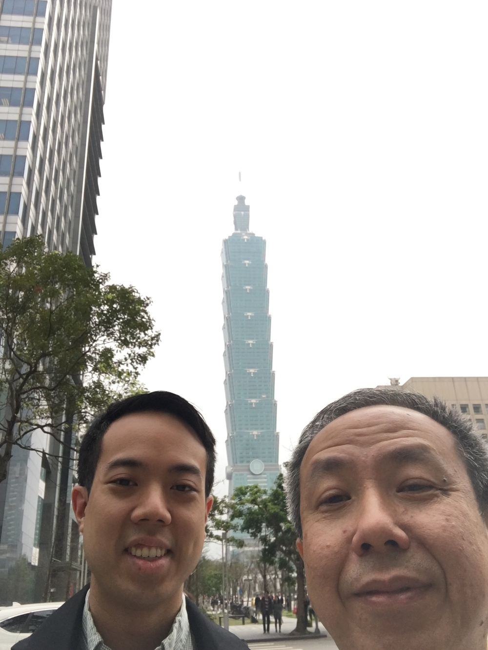 We went to the Din Tai Fung close to Taipei 101. According to my aunt, that's the one that requires the shortest wait. Here's a selfie with me and my dad, who barely understands how to use his iPhone (: