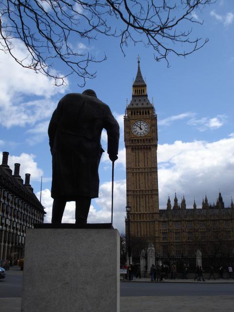 Churchill statue Parliament Square.jpg