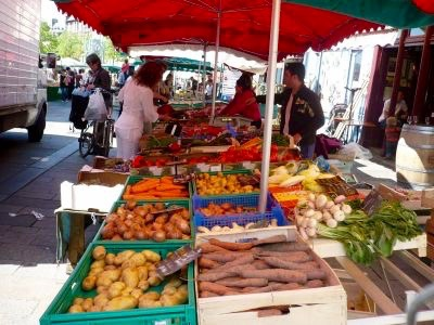 Rennes, France - Marché Day (small).jpg