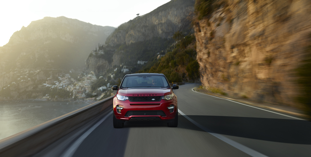 Red Discovery Sport_2500_1.jpg