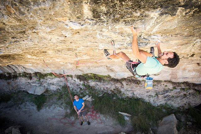Local Austin hardman Rupesh Chhagan getting after his 5.project during central Texas' quick glimpse of fall. The try hard on this route is hard to even put into words. From what I hear, the route is some combination of a V10, into a V13, into another V10. Could it be the first 5.15 in Texas? Only time and a whole lotta 💪💪💪 will tell. @climbtech #sportclimbing