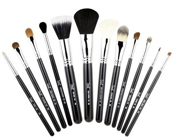 Atelier_MakeupBrushes.jpg