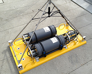 AMAR acoustic recorder and external battery pack on a mooring plate