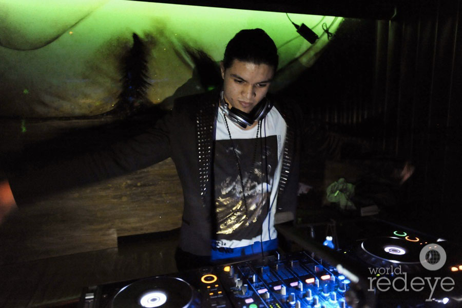 Andre_Saint_Albin_DJing2_new.jpg