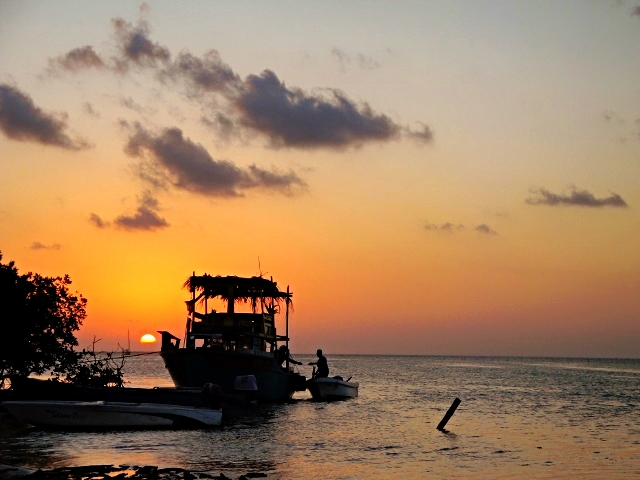 Belize Vacations - All Inclusive Caribbean Vacation Packages - SabreWing Travel - Sunset - Caye Caulker