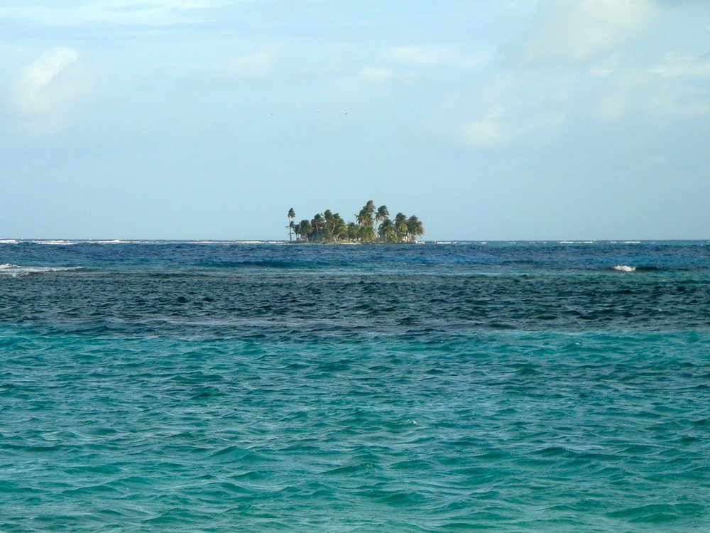 The Silk Cayes offer ample snorkeling and diving opportunities close to Placencia