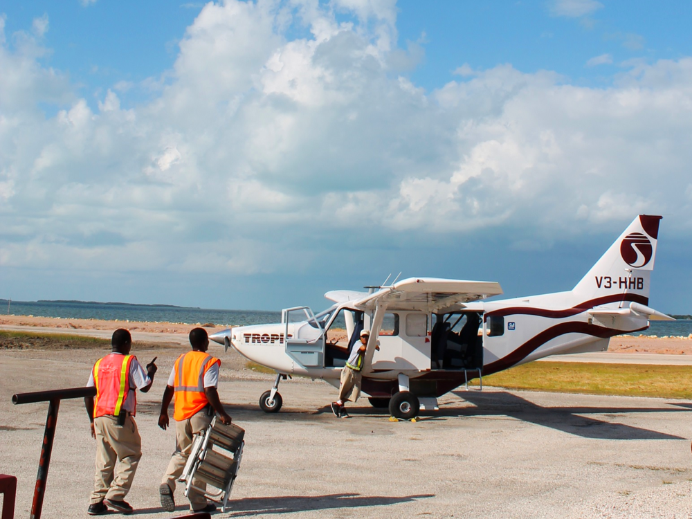Tropic Air Plane - SabreWing Travel - Belize Vacation Packages