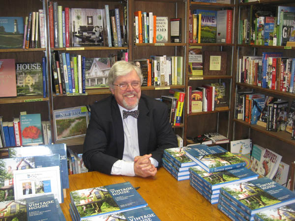Mark Hewitt signing copies of his book,  The Vintage House , in 2011.