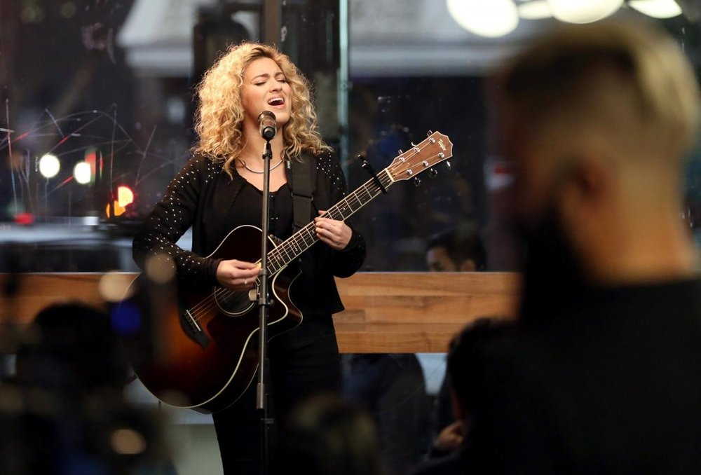 ToriKelly_Forbes-1200x800.jpg