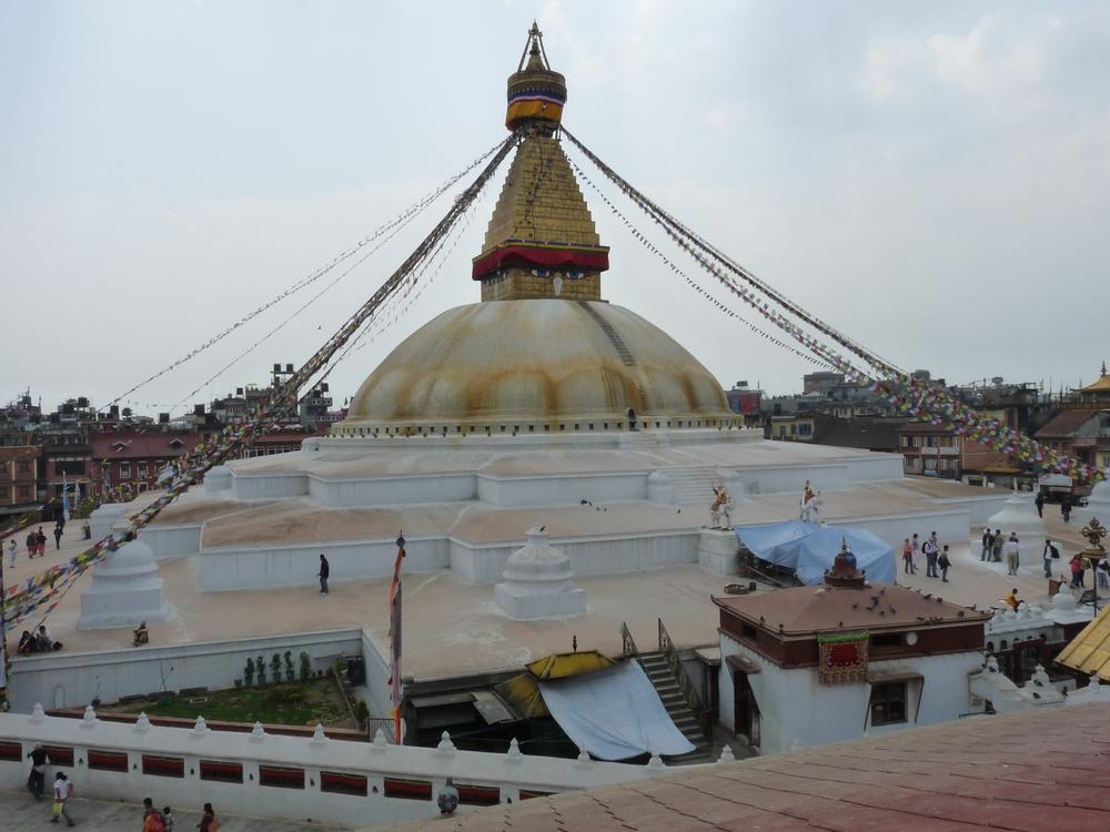 Le grand stupa de Bodnath,le plus fréquenté des sanctuaires du Népal