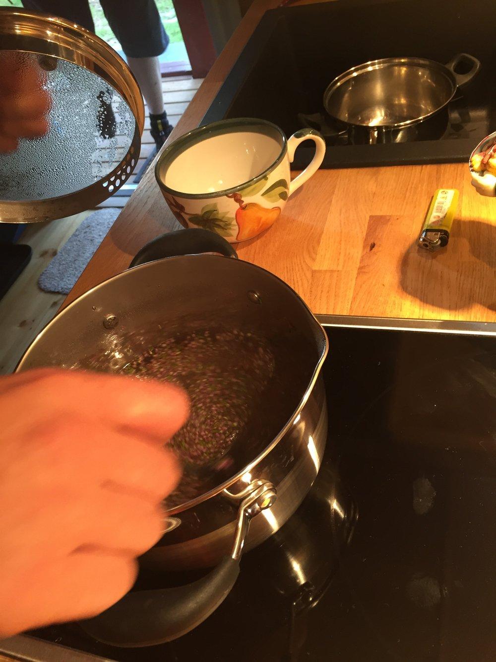 Rossylng Tea Ritual