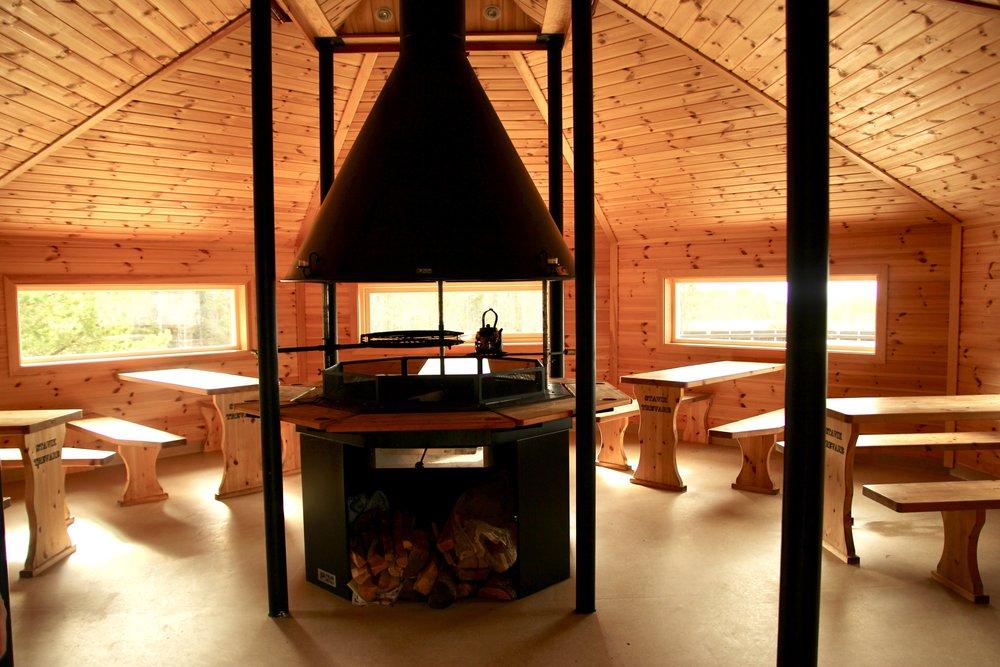 Cosy inside the free public kitchen cabin.