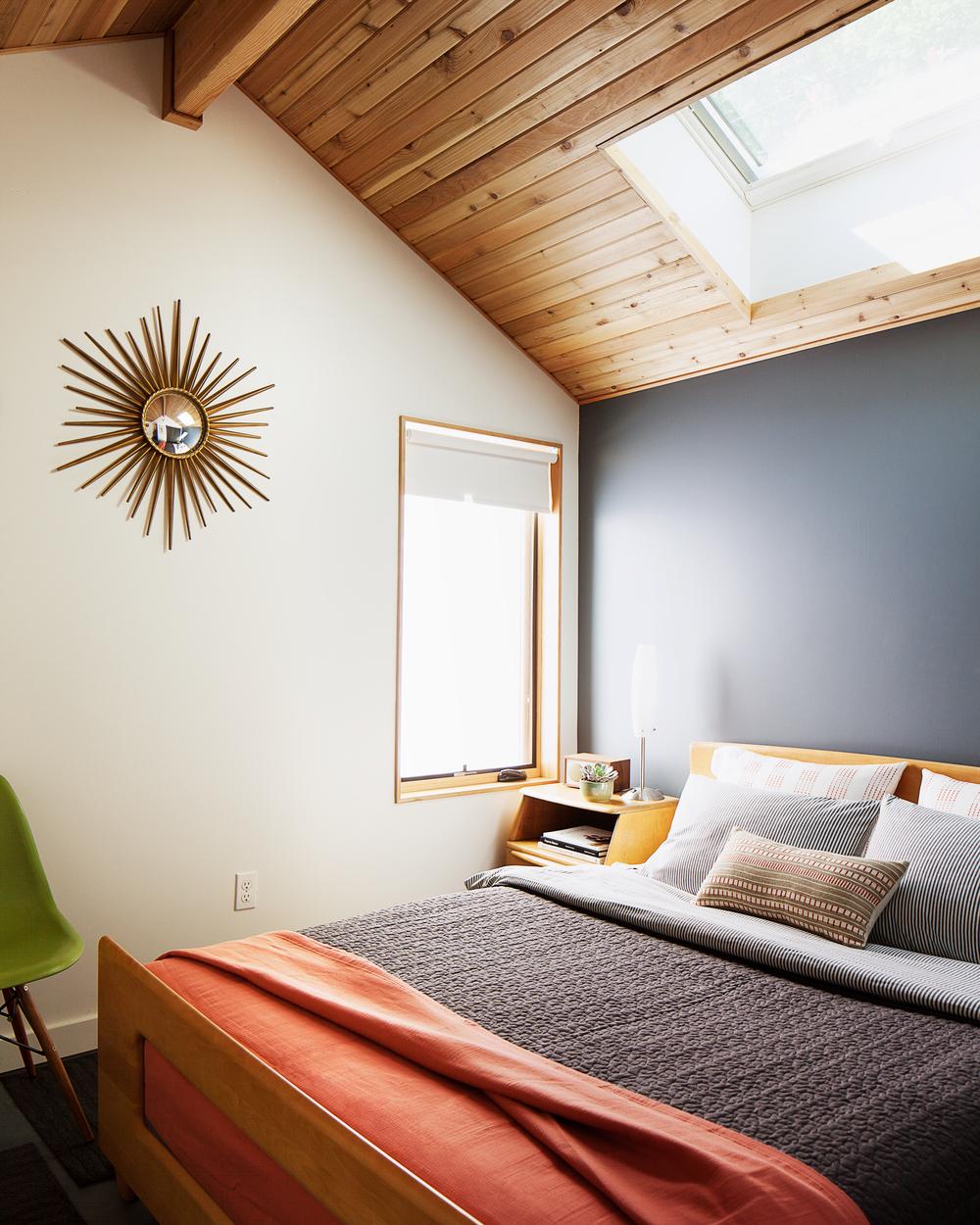 EcoCottage_bedroom.jpg