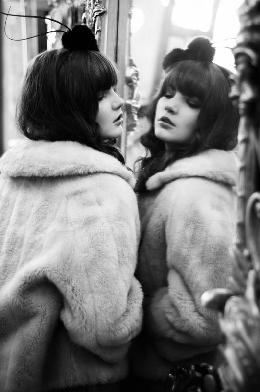 Model Looking in Mirror