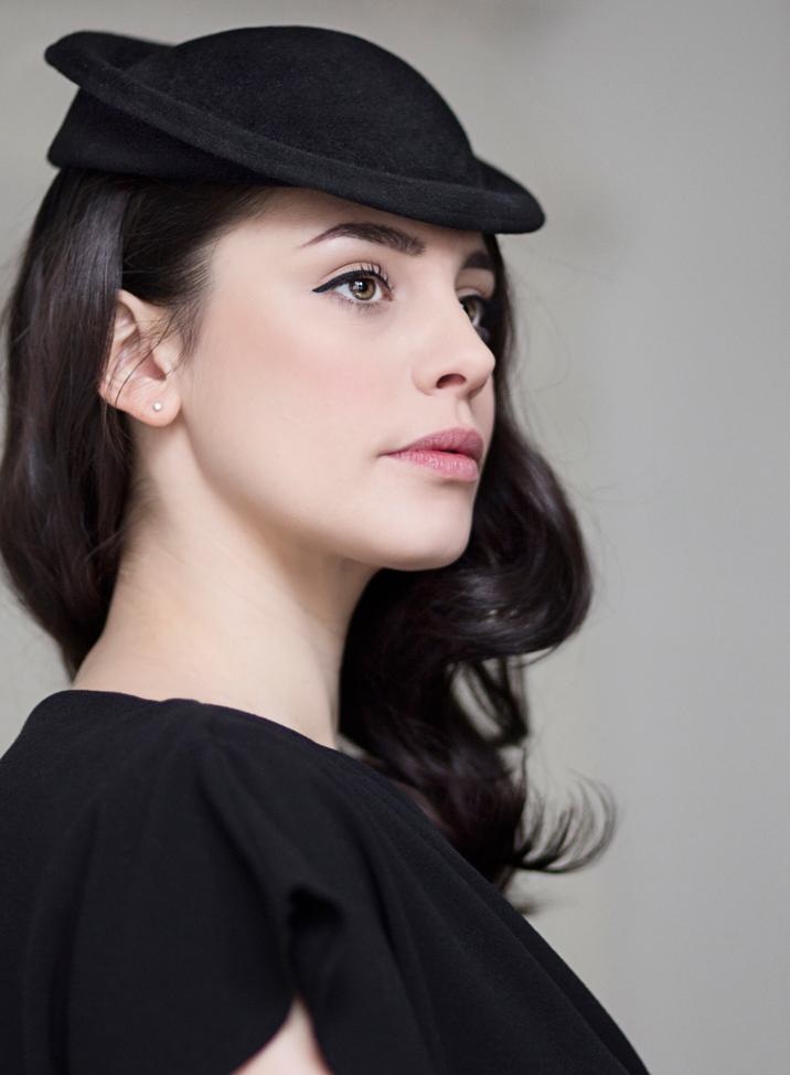 Saucer Hat in Black