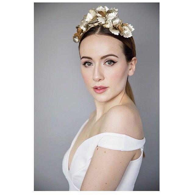 Love gold ❤️ Each leather leaf is cut, sewn and finished in house making it really easy to customise to your specifications... More leaves, less leaves, metallic pink, add a veil... No limits! #customerservice #customersfirst #gold #goldheadband #bridal #wedding #maggiemowbraymillinery #designercollection #edinburgh #edinburghluxury #boutiqueshopping