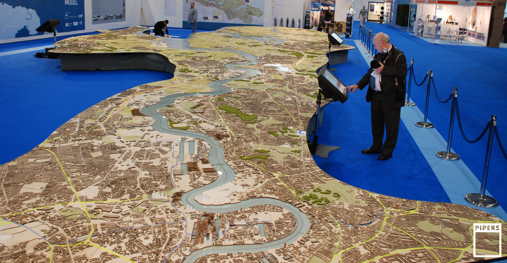 LONDON THAMES GATEWAY MODEL - 1:3000 SCALE