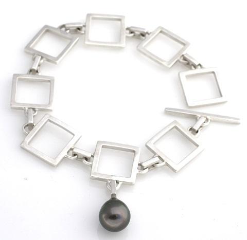 sq chain bracelet 480.jpg