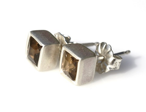Square earrings with smoky quartz