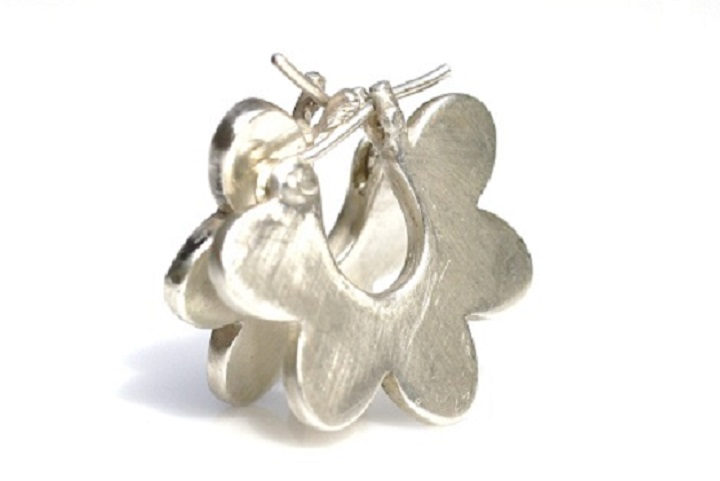 Flower cuff earrings