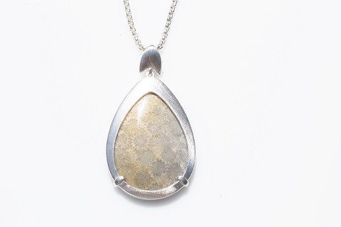 Smooth pendant - teardrop