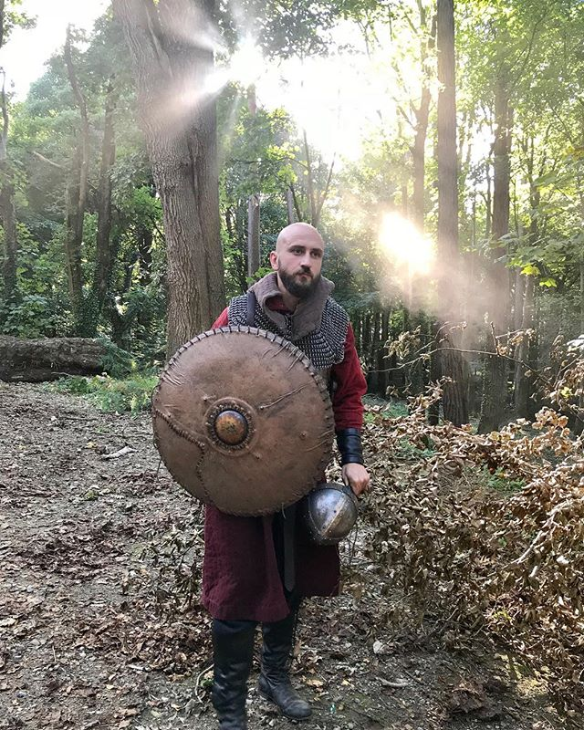 Saxon gore! . . . #richieros #odyssey #acting #pose #sunshine #sunbeams #vikings #wicklow #wicklowmountains #ireland #musician #singersongwriter #costume #historychannel #historychannelvikings #onset #history