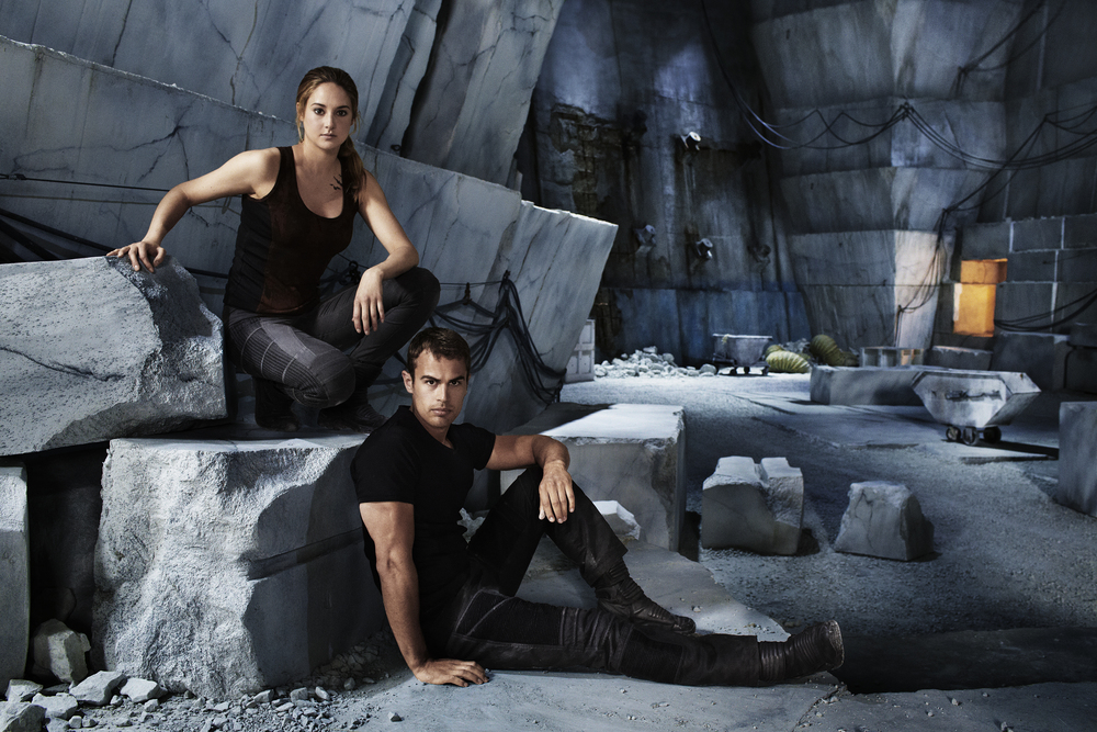 Theo James & Shailene Woodley - Chicago, IL