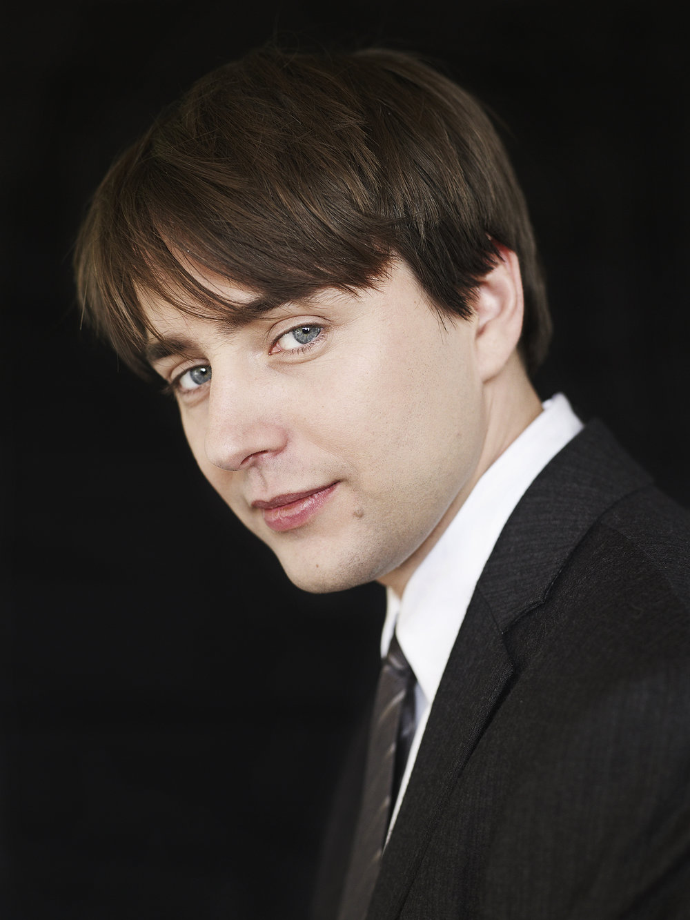 ew_03-vincent-kartheiser-outside_0171.jpg