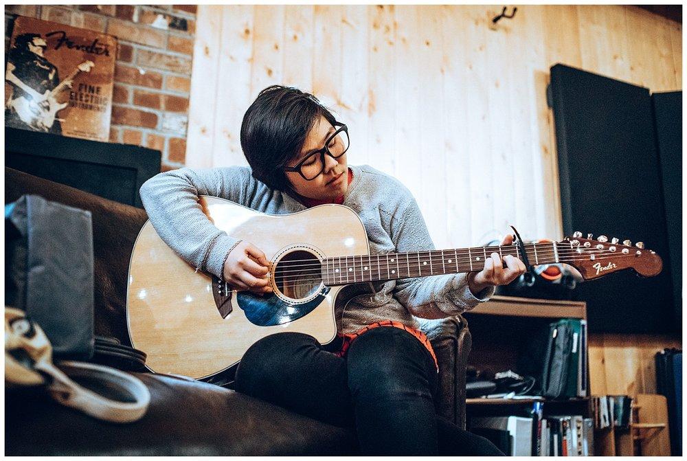 Chamonix Films - Seattle Music Videographer - Music Photography - playing guitar dear liry,