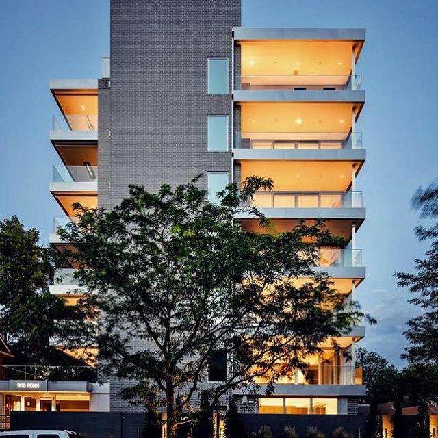 Nighttime glow. . . #davisurban  #modern  #denver  #homesweethome  #outdoorspace  #architecture #homegoals