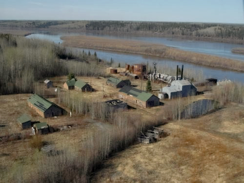 HISTORIC BITUMOUNT SITE ALONG THE ATHABASCA RIVER   (COURTESY PARKS CANADA)