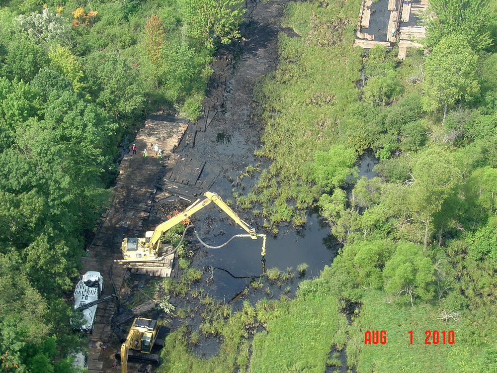 AERIAL VIEW OF SPILL SITE (COURTESY NTSB)