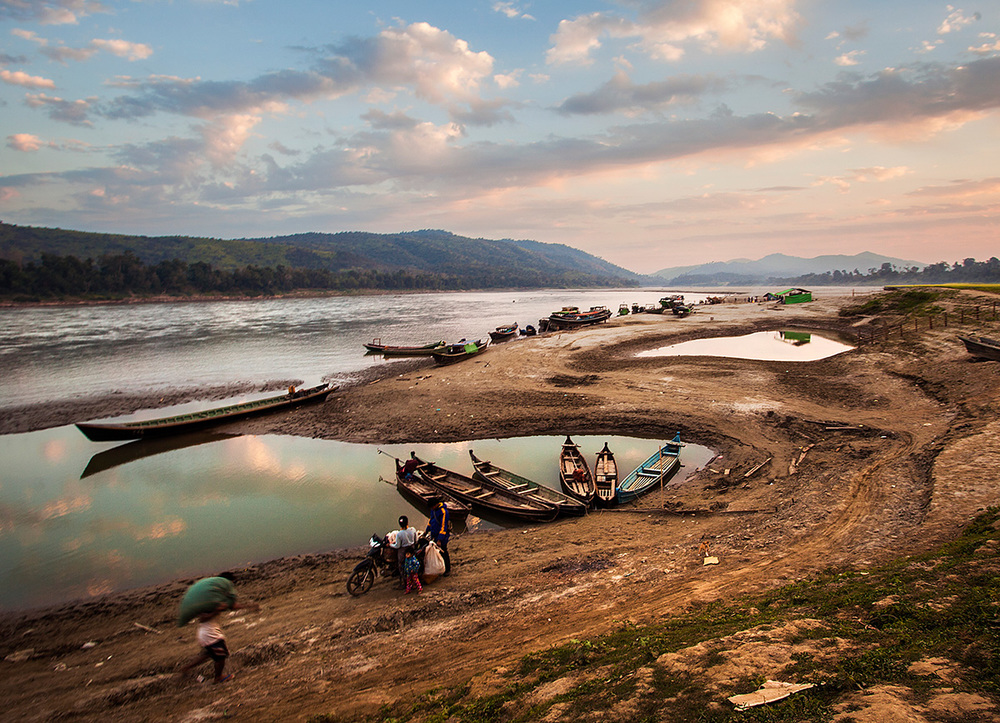 life along the river, Sinbo