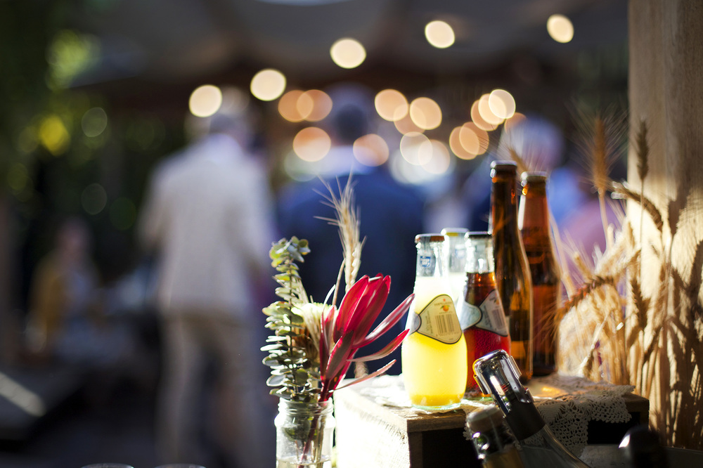 melbourne-wedding-flowers-bar.jpg