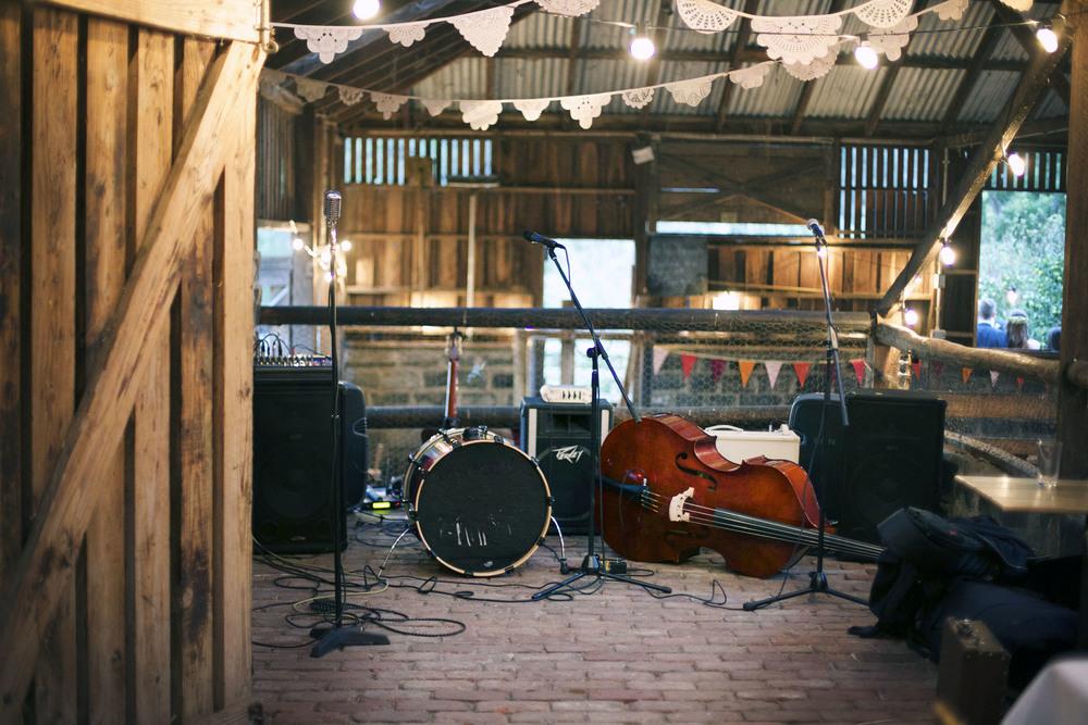 barn wedding melbourne band.jpg