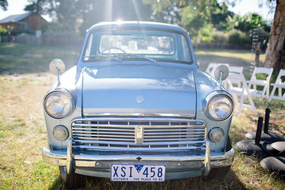 Melbourne wedding old car 1.jpg