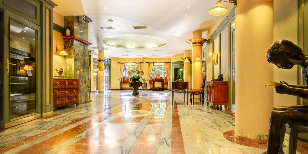 Hotel Savoy-19.jpg