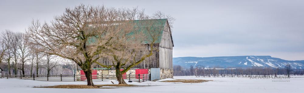 6th line barn-140328-6000 x 4000.jpg