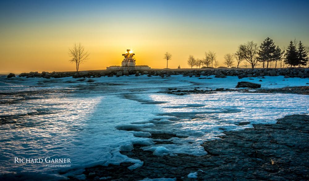 Inukshuk sunrise SSP-140409-6000 x 4000-2.jpg