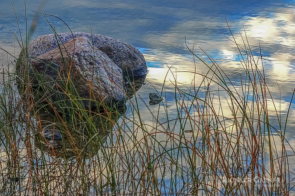 29 Rock Grass Sky & Water