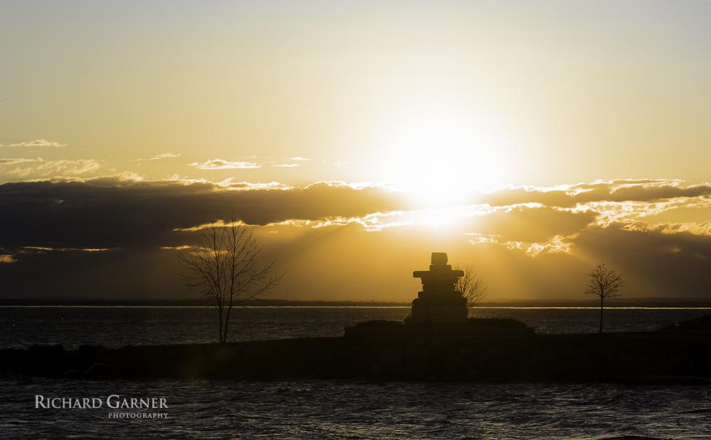 inukshuk sunrise-1.jpg