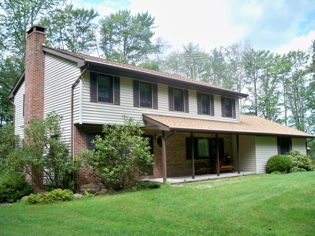 Laurel Hill: 4 bedroom, 2 bathrooom on 5 acres. Grahamsville, NY.