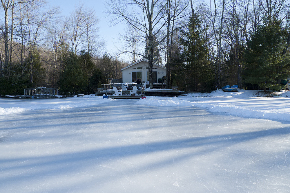 lake_house_winter.jpg