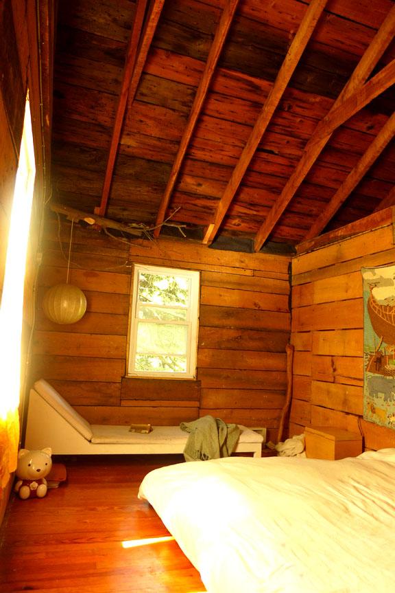 bedroom ceil.jpg