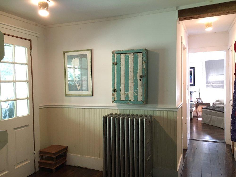 foyer_hallway.JPG