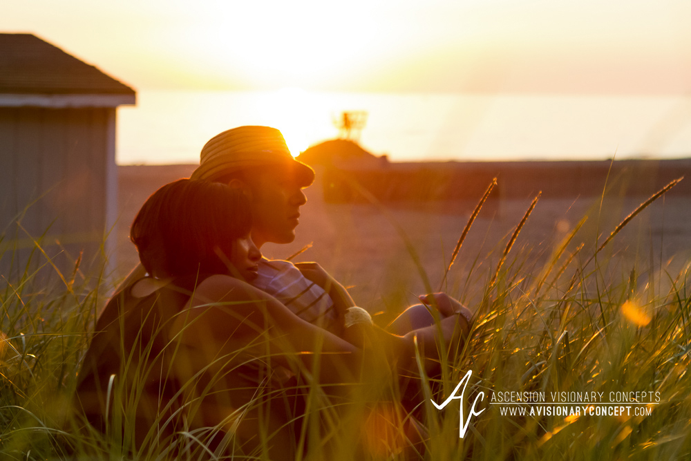 Buffalo Engagement Photography: Woodlawn Beach